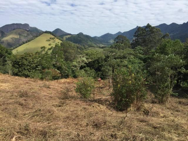Terreno com linda vista no centro de São Pedro da Serra local preservado e totalmente reservado