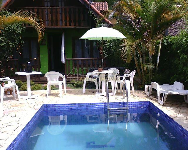 Chalé duplex com piscina e linda vista do vale para ate 8 pessoas próximo do centro de Lumiar