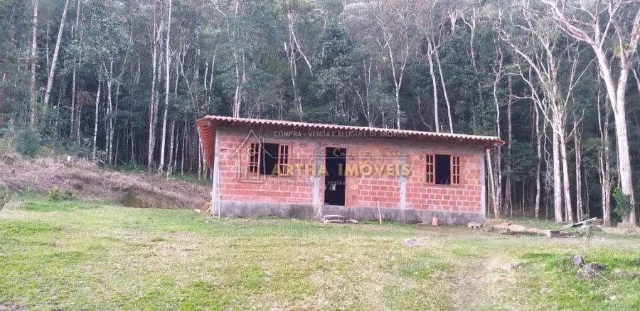 CASA EM CONSTRUÇÃO COM BEIRA DE RIO EM MEIO A MATA LOCAL TOTALMENTE RESERVADO