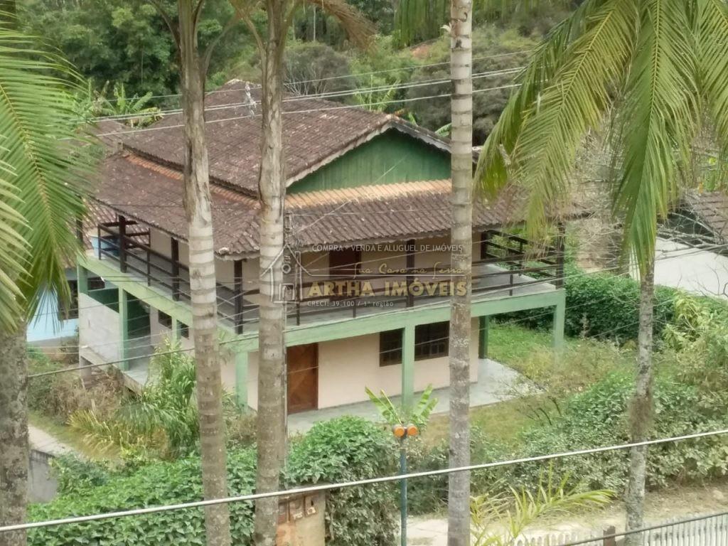 Alugo casa duplex com 2 quartos amplos, sala ampla, muita varanda, cozinha com 2 banheiros em local rural a 1.5 km do centro de Lumiar