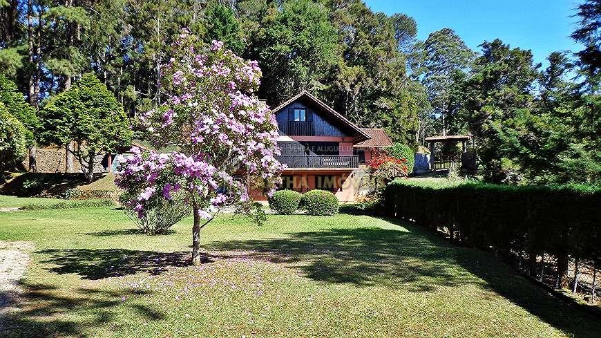 Vendo linda casa colonial em Mury com 600m de área construída perfeito para construção de uma pousada