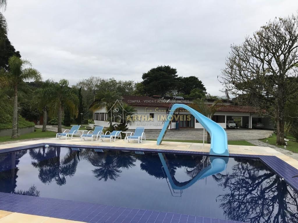 Vendo Mury casa magnifica, com 6 suites, piscina, edicula com lounge, sauna, salão com lareira dentro de condominio maravilhoso.