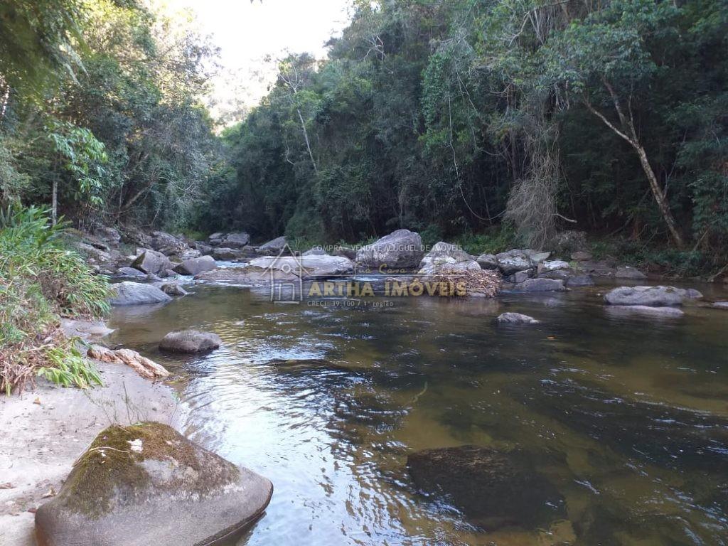 VENDO  linda beira rio, preservada com mata, terreno com 40,000m 1 nascente, ótimo acesso