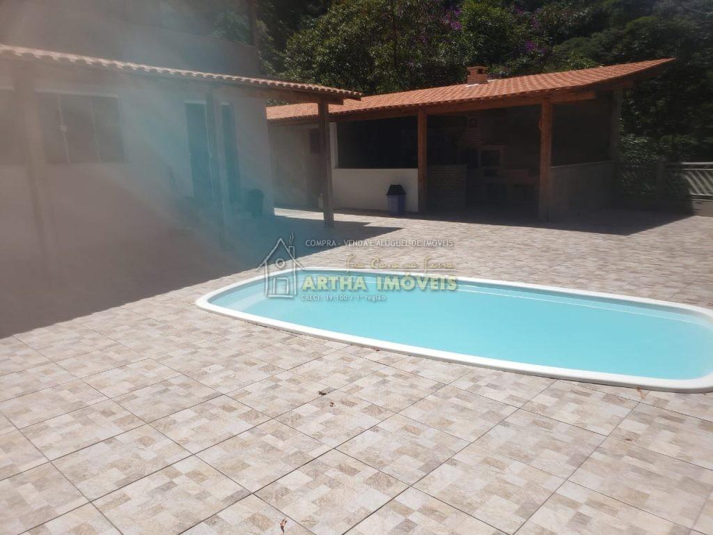 Vendo linda chacara com piscina churrasqueira sauna sala com lareira 3 quartos com linda vista em meio a mata proxima de Lumiar