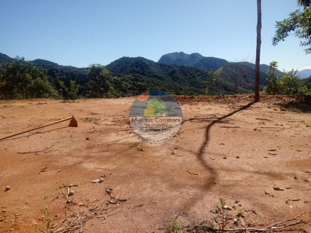 Vende Toca da Onça pertinho do poço da Toca, 1000m de terreno tem linda vista com platô de 200m prontos